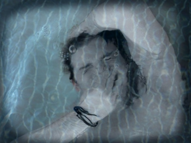 Боязнь глубины и бездны (Батофобия): как избавиться от страха воды