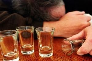 Запой (алкоголизм): что такое, симптомы, последствия