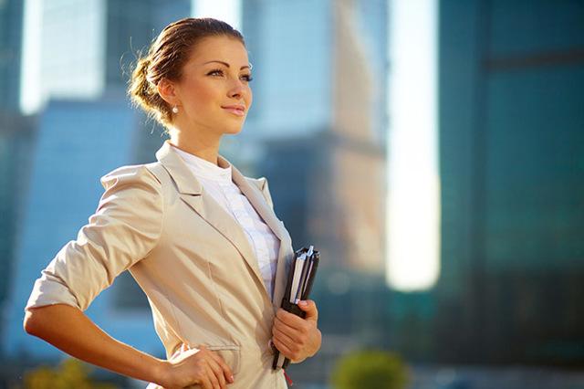 Жена не хочет работать: как заставить, советы психолога, причины