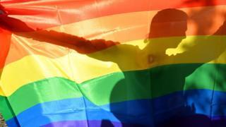 Гомофобия: что такое, как бороться и лечить боязнь геев
