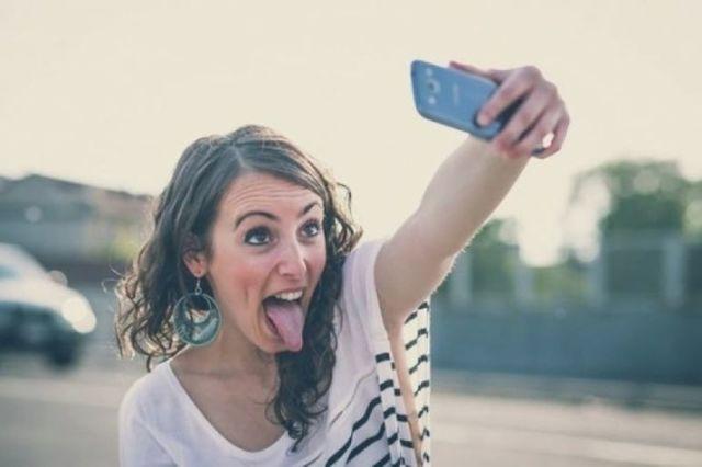 Зависимость от селфи: болезнь 21 века, причины, или способ самовыражения