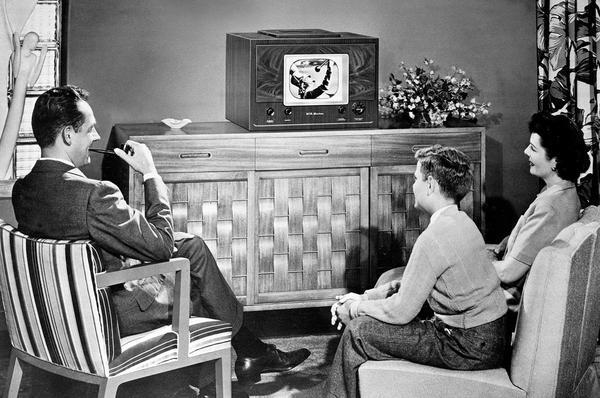 Зависимость от телевизора: как называется, избавление, болезнь или страсть
