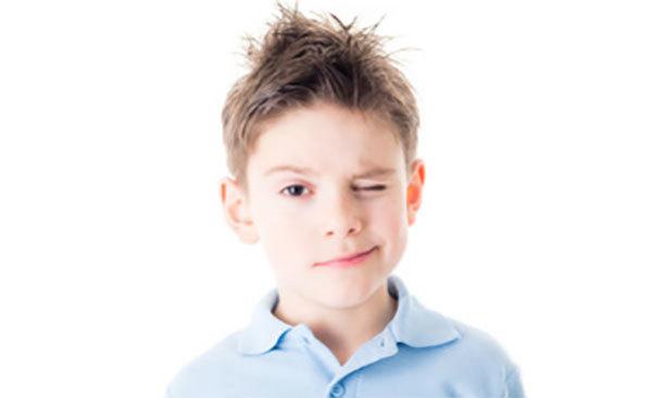 Испуг у ребенка: как лечить, признаки, что делать