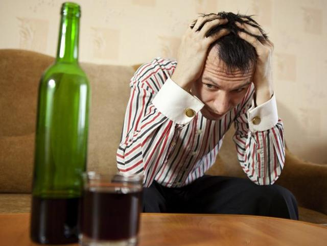 Как выйти из запоя: в домашних условиях, как помочь человеку, самостоятельно