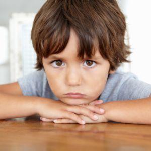 Заикание (логоневроз) у детей: лечение, причины, избавление