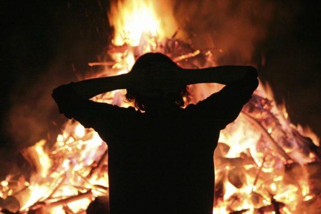 Боязнь огня (Пирофобия): как называется, способы лечения