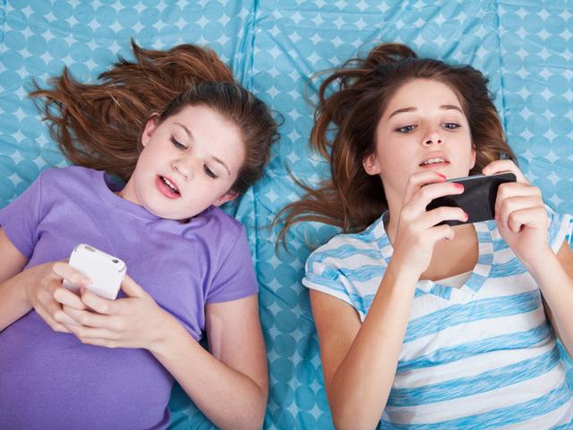 Зависимость от социальных сетей: как называется, у подростков, молодежи