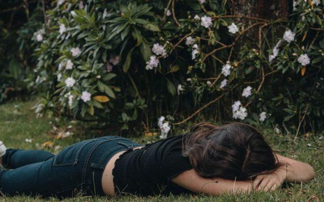 Гипноз для сна и успокоения нервной системы: от бессонницы, лечение, медитация