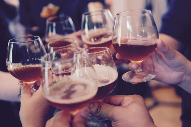 Алкоголизм и его последствия, симптомы, причины