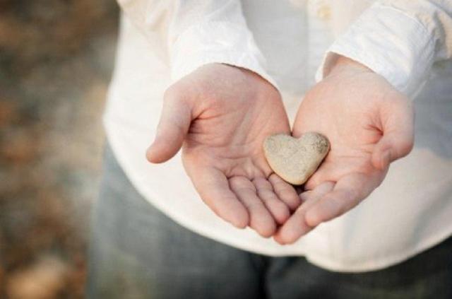 Щедрость души (щедрый человек): что такое, жадность