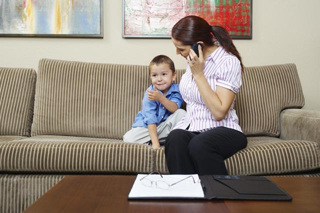 Чувство вины перед ребенком: после развода, избавление, после крика