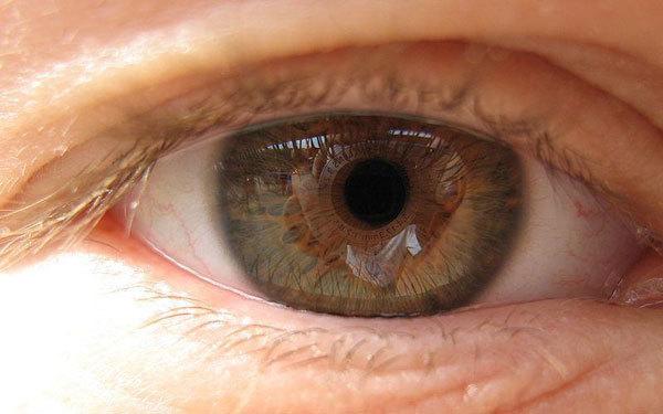 Зрение человека и курение: влияние на глаза, ухудшение