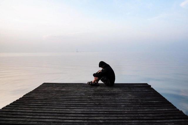 Боязнь одиночества (Аутофобия): как бороться с фобией остаться одному