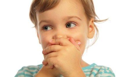 Внезапная потеря речи при стрессе: причины, что делать